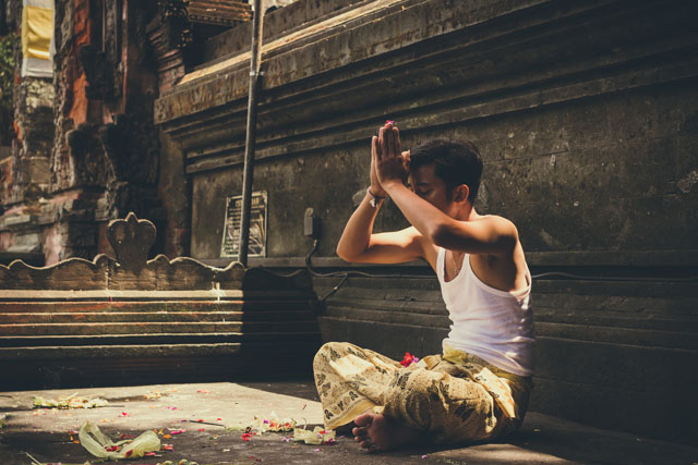 Praying in Bali